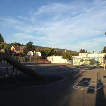 Photo of Crocker Highlands Elementary School in Crocker Highlands, Oakland