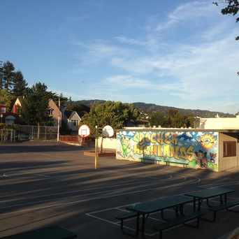 Photo of Crocker Highlands Elementary School in Crocker Highlands, Oakland