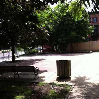 Photo of Mount Vernon Street Plaza in Thompson Square - Bunker Hill, Boston