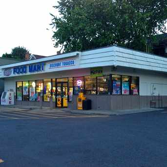 Photo of Fast Trak Foodmart in Irvington, Portland