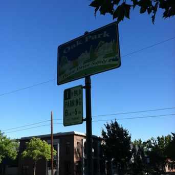 Photo of BROADWAY & 35TH ST (EB) in North Oak Park, Sacramento