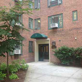 Photo of 7 Stuyvesant Oval in Stuyvesant Town - Peter Cooper Village, New York