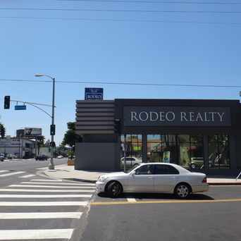 Photo of Rodeo Realty - Chelsea Robinson Real Estate in Encino, Los Angeles