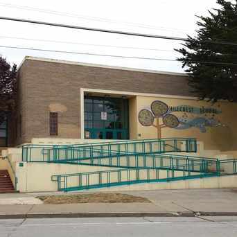 Photo of Hillcrest Elementary School in University Mound, San Francisco