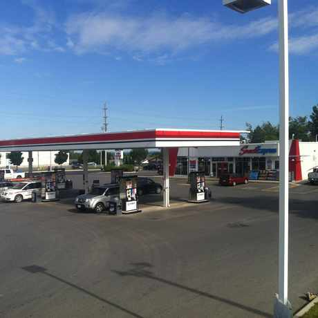Photo of Pioneer Gas Station and Car Wash in Peterborough