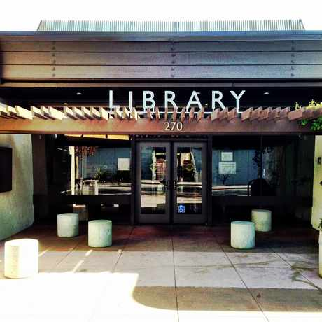 Photo of Palo Alto Library in Palo Alto