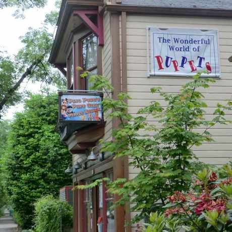 Photo of Ping Pong's Pint Sized Puppet Museum in Sellwood-Moreland, Portland