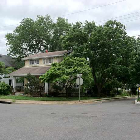 Photo of Street View from 2nd and Cleveland Streets in Lyon Park, Arlington