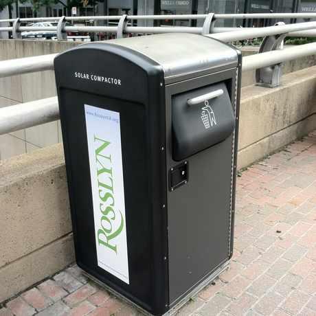 Photo of Green Trash Can in Arlington