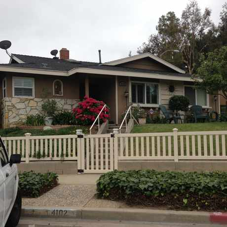 Photo of Beautiful House in Traffic Circle, Long Beach