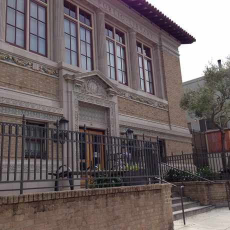 Photo of Noe Valley/Sally Brunn Branch Library in Noe Valley, San Francisco