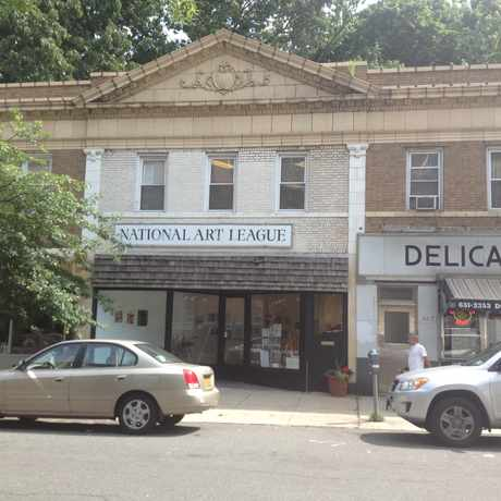 Photo of National Art League in Douglaston, New York