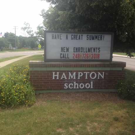 Photo of Hampton Elementary School in Rochester Hills