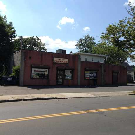 Photo of G I Package Store in Fair Haven, New Haven