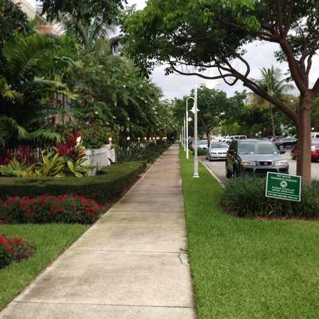 Photo of Sidewalk in Victoria Park, Fort Lauderdale