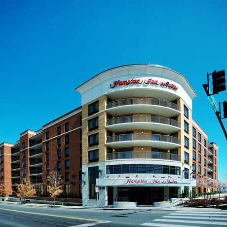Photo of Hampton Inn & Suites Nashville Downtown in Nashville-Davidson